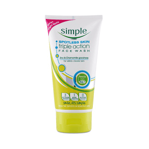 Sữa Rửa Mặt Simple Spotless Skin Triple Action Face Wash